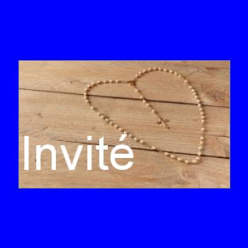 etiquette cadeau communion coeur bois marron croix